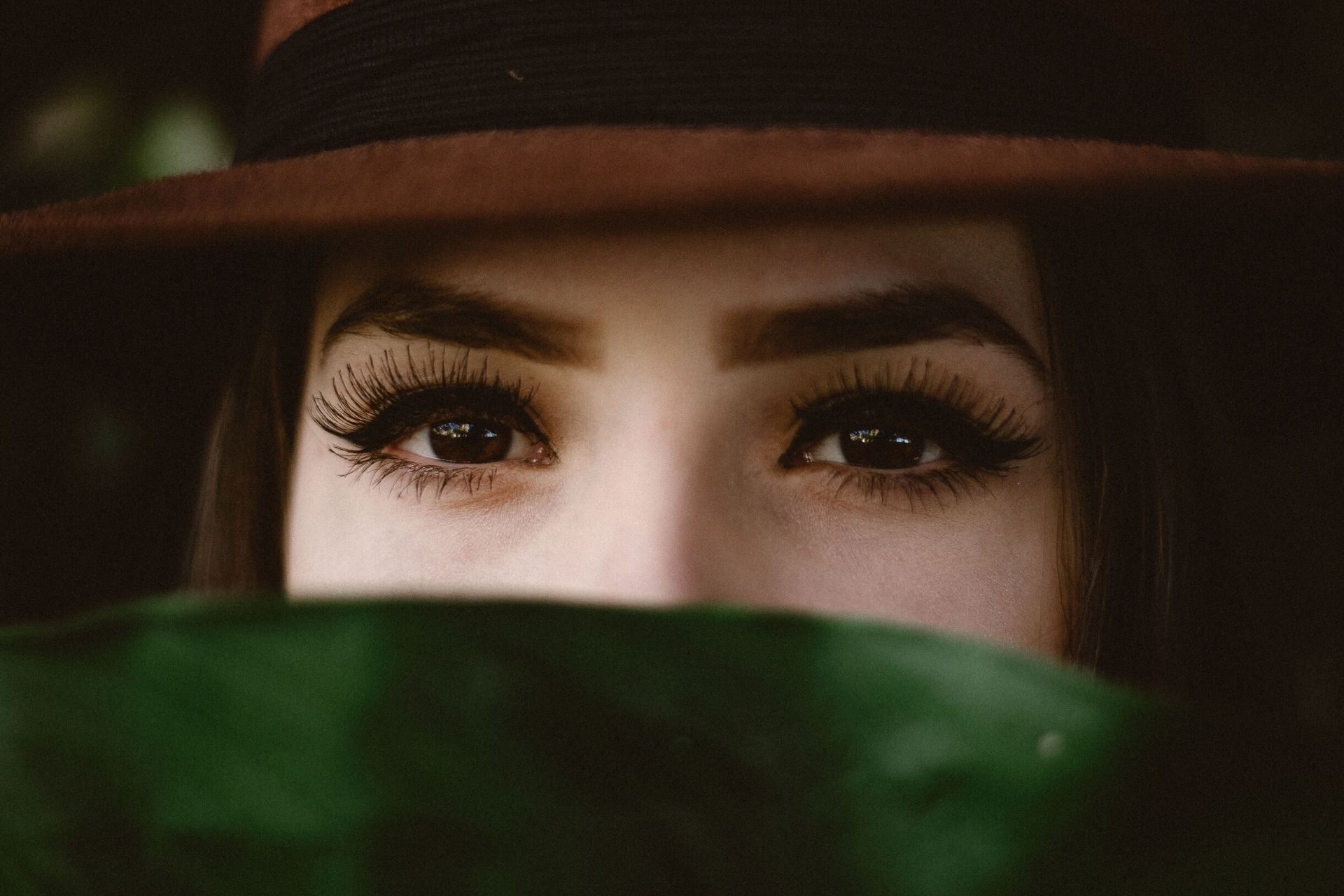 300+ Great Ways to Describe Eyes